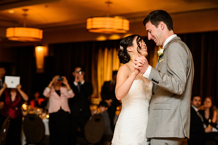 Grace-Stephen-Sofitel-Philadelphia-Wedding-900x599_0021