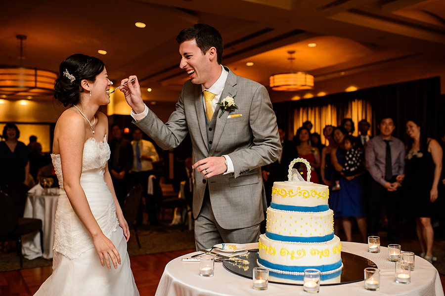 Grace-Stephen-Sofitel-Philadelphia-Wedding-900x599_0029