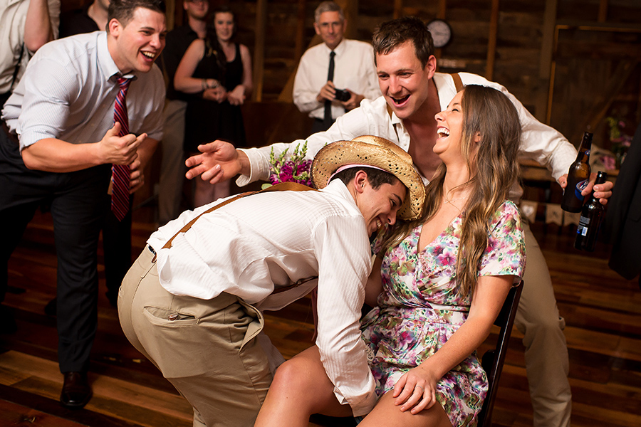 35_Nic_Stu_Lancaster_Wheatland_CountryBarn_Wedding