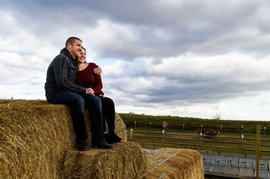 01_colorful_fall_engagement_new_jersey_farm