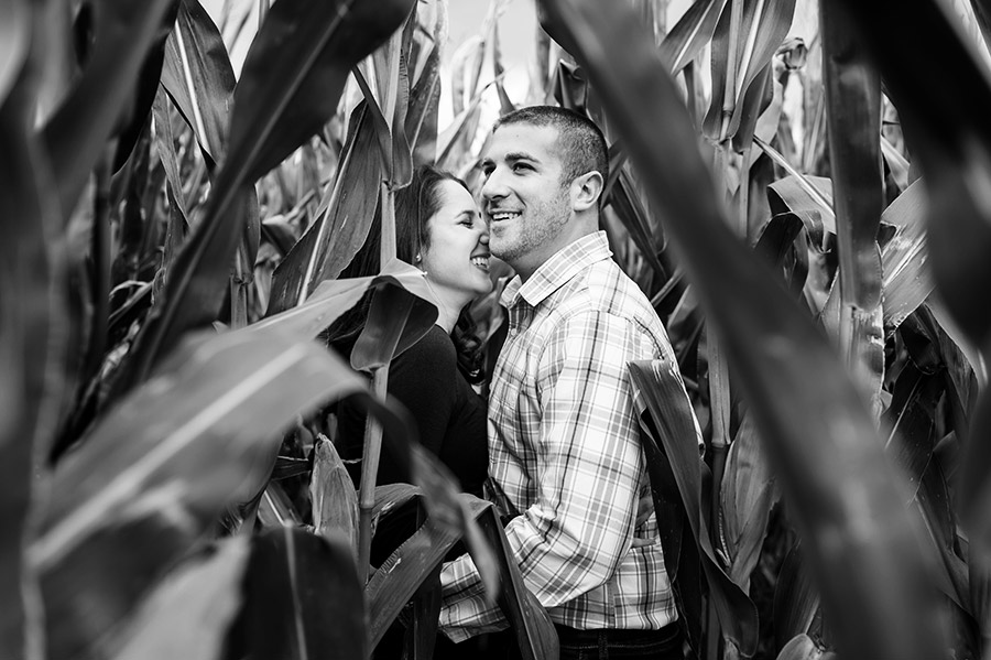 02_colorful_fall_engagement_new_jersey_farm