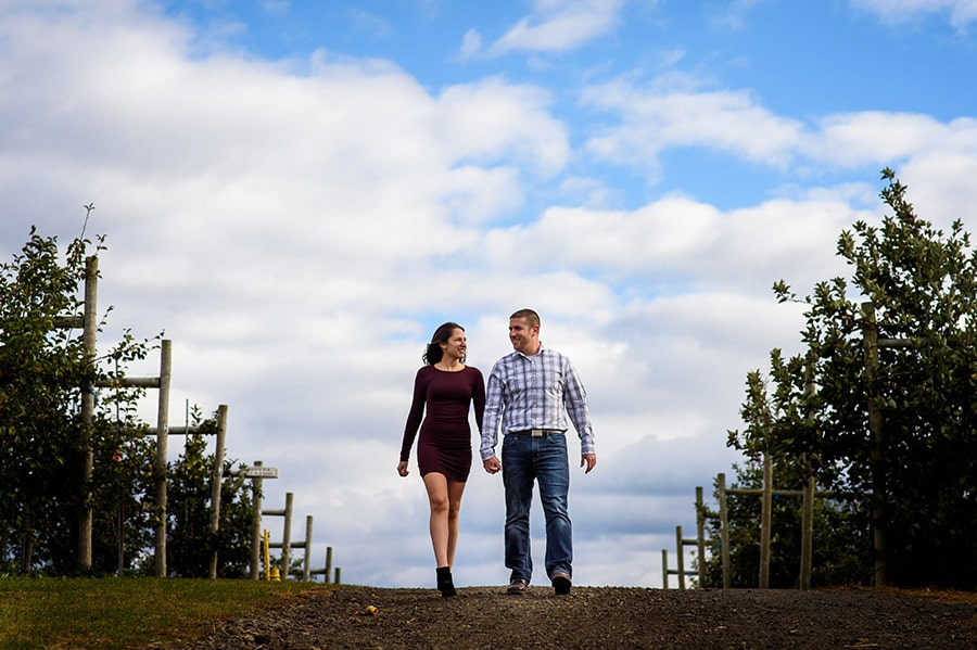 03_colorful_fall_engagement_new_jersey_farm
