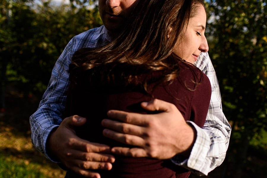 07_colorful_fall_engagement_new_jersey_farm