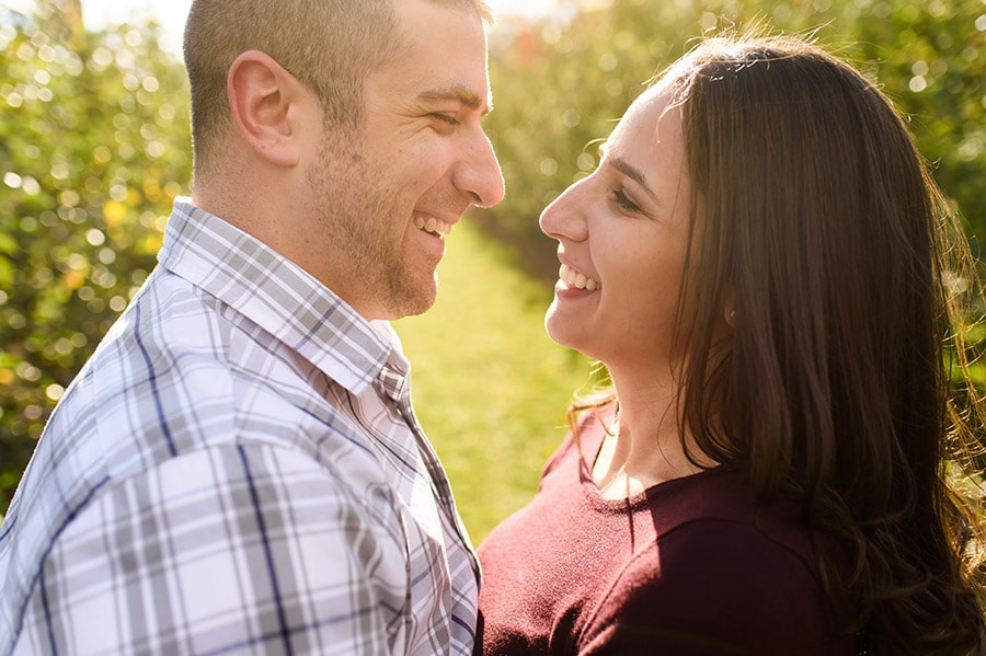 09_colorful_fall_engagement_new_jersey_farm
