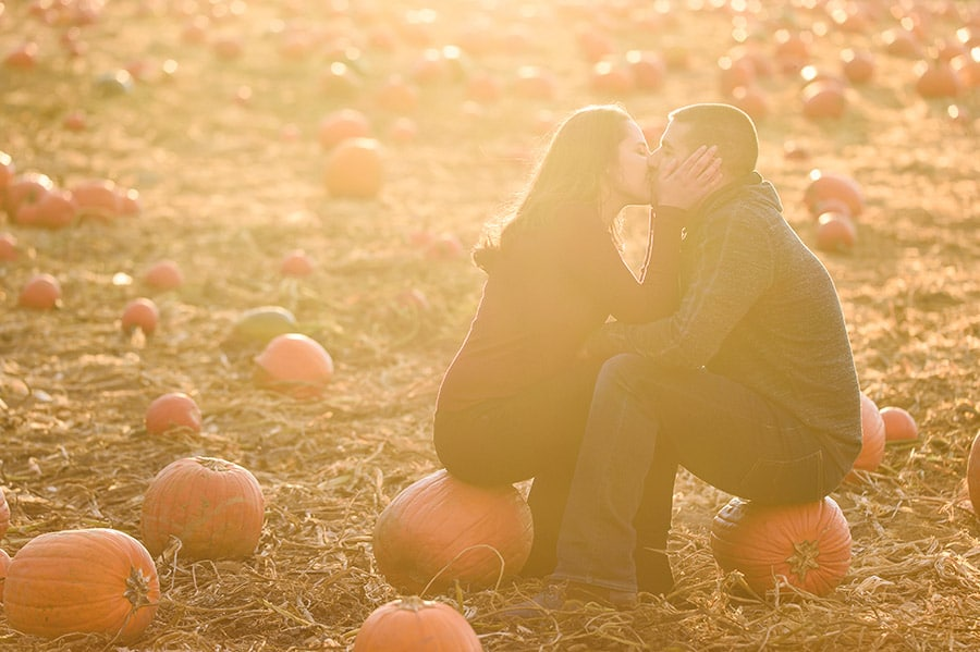 11_colorful_fall_engagement_new_jersey_farm
