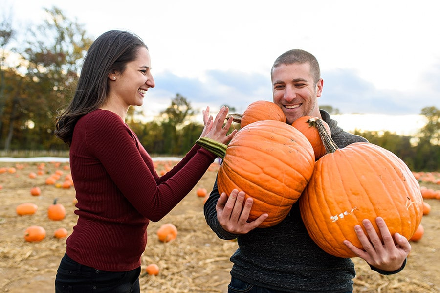 12_colorful_fall_engagement_new_jersey_farm