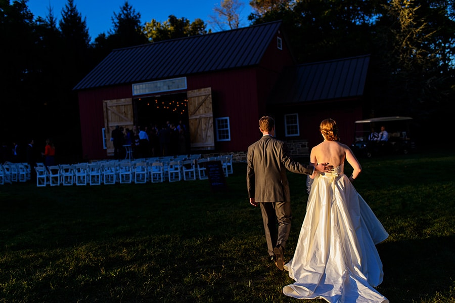 27_backyard_bethlehem_barn_wedding